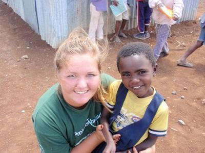 Pernille Daater Iversen, Tanzania, Humanitært arbejde og Undervisninf