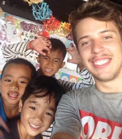 Glade børn i Cambodja