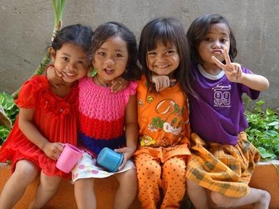 billede af lokale børn fra NGO