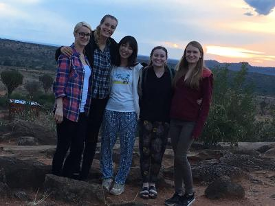 Medicine volunteers exploring Kenya