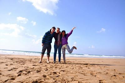 Volunteer beach trip