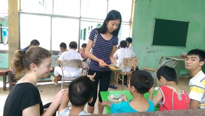 Volunteers working with children in Vietnam
