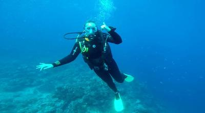 Allyson scuba diving in Fiji