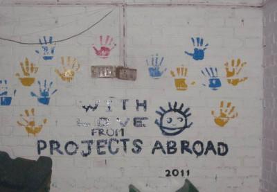 Volunteering painting Nepal
