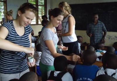 Volunteer Outreach project in Tanzania