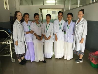 Volunteers with the medical staff in Chitwan