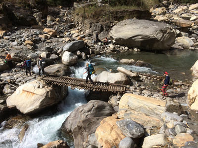 Volunteer hiking in Nepal