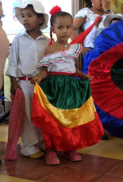 Kids doing traditional dances in Costa Rica