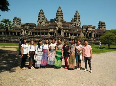 High School Special volunteer visiting the temples in Cambodia
