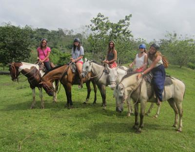 Volunteer's on a weekend trip in Costa Rica