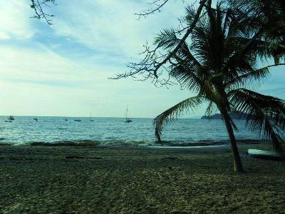 Volunteer trip to the beach in Costa Rica