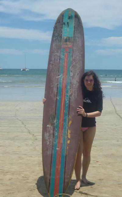 Volunteer learns to surf in Costa Rica