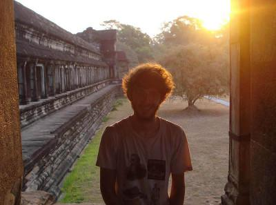 Volunteer enjoying a Cambodian sunset