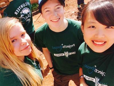 High School Special volunteers in Kenya