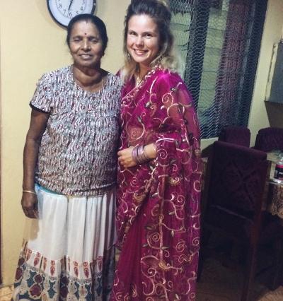 Volunteer with host mom in Fiji