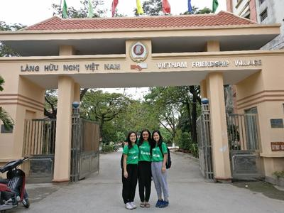 Occupational Therapy and Physiotherpy volunteers in Vietnam
