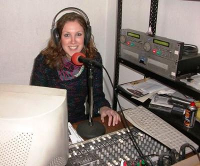 Volunteer Louise Spratt hosting a live radio show in Argentina on the Journalism project