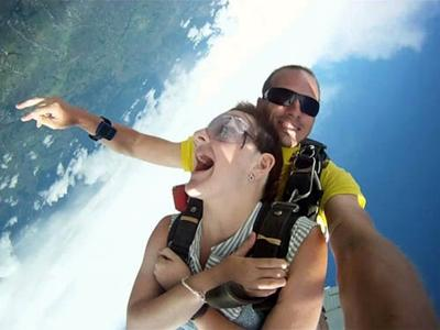 Volunteer skydiving in Fiji