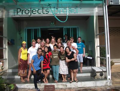 Projects Abroad staff and volunteers
