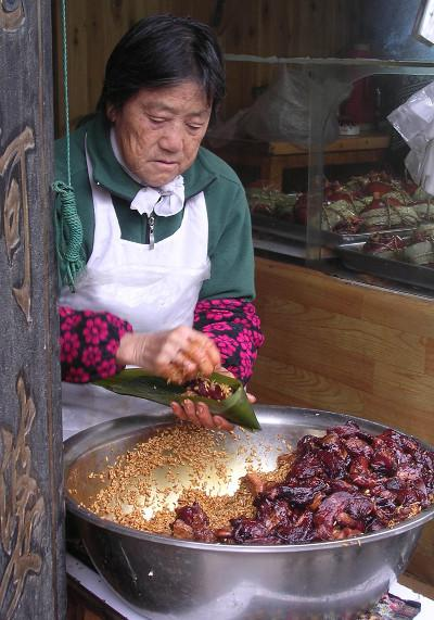 Enjoy local food whilst volunteering in China