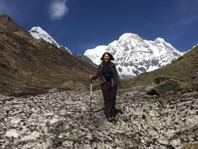 Volunteer Climbing mountains in Nepal