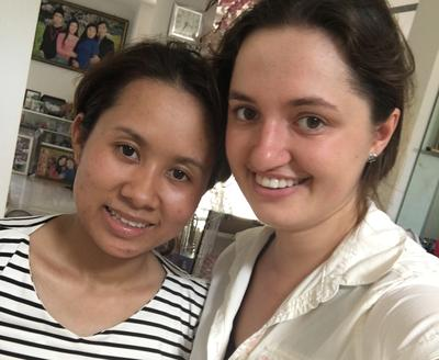Volunteer with local woman at Business Project in Vietnam