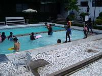 Trip with children to pool
