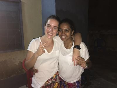 Volunteers posing for a photo in Ghana