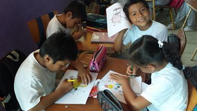 Alumnos de Ecuador del proyecto de enseñanza de Projects Abroad