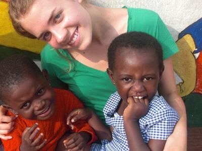 Adèle et deux enfants