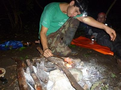 Veillée autour du feu - écovolontariat Costa Rica