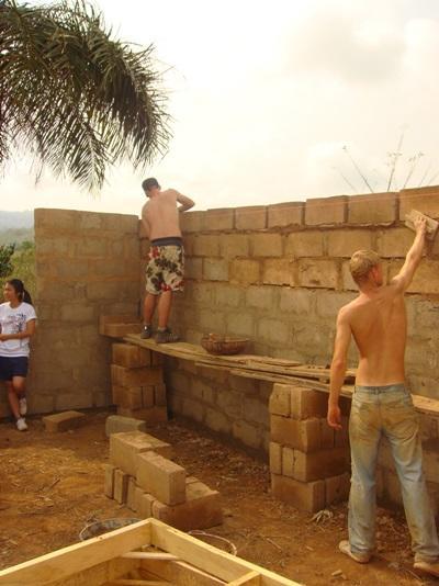 Culture & Communauté (construction), Ghana par Clémence Gelée