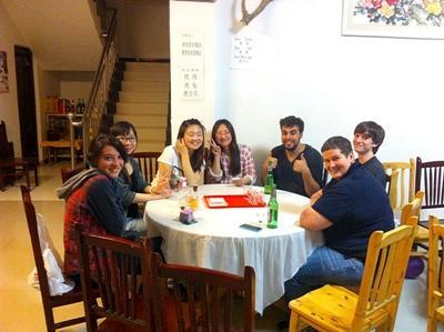 Repas du soir entre volontaires