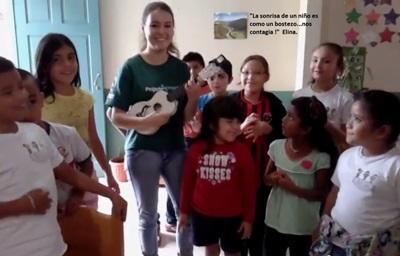 Elina dans la garderie où elle a travaillé au Costa Rica
