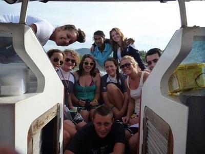 Eco-volontaires sur le bateau