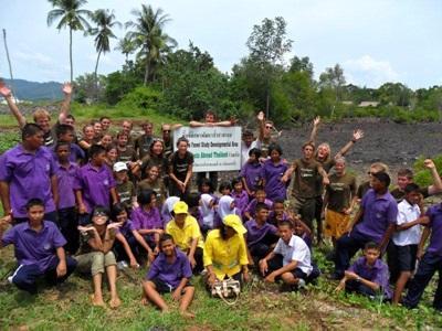 Volontaires et locaux
