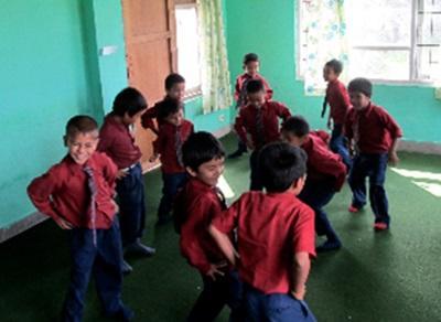 Cours de danse au Népal