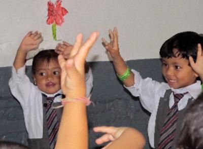 Travailler avec des enfants népalais