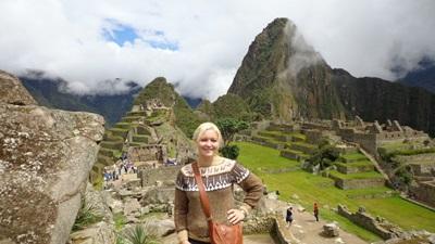 Volontaire française au Machu Picchu