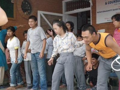 Les élèves durant la classe de danse