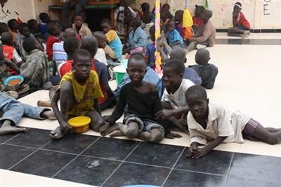 Dans le centre pour enfants des rues, Sénégal