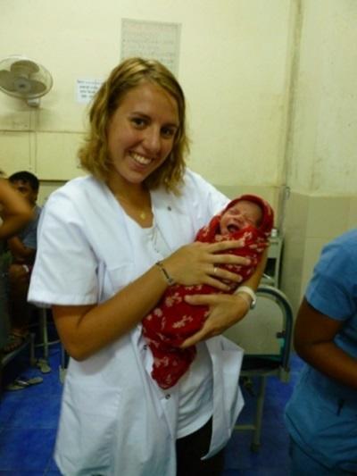 Mathilde Saint-Marc au Nepal en maternité