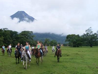 Equitation près du volan arenal