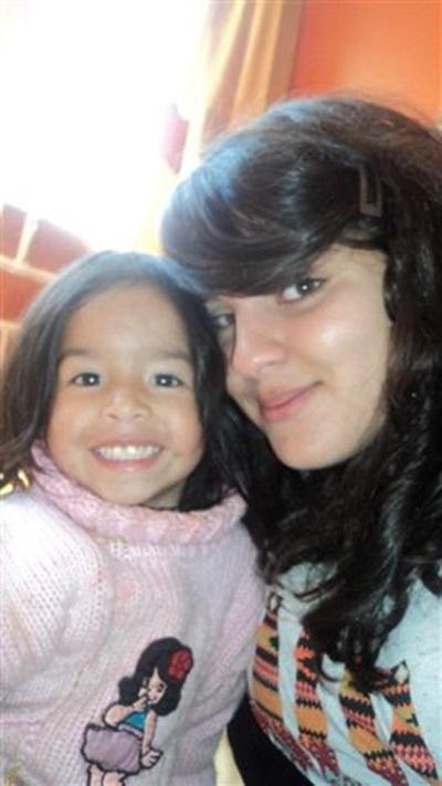 Mona, stagiaire en médecine au Pérou