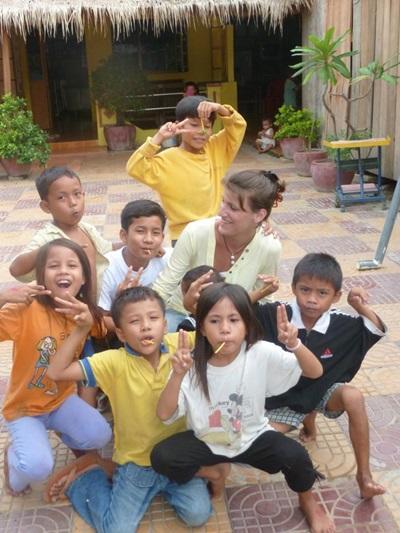 Ophélie dans l'orphelinat au Cambodge