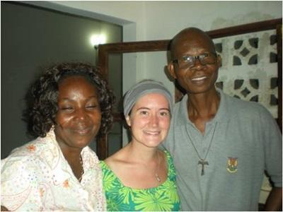 Pascale dans sa famille d'accueil au Togo