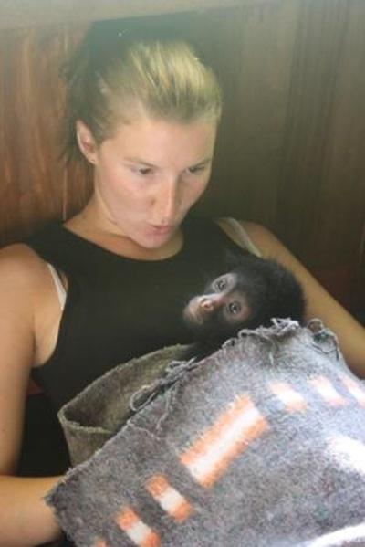 Pauline et le singe