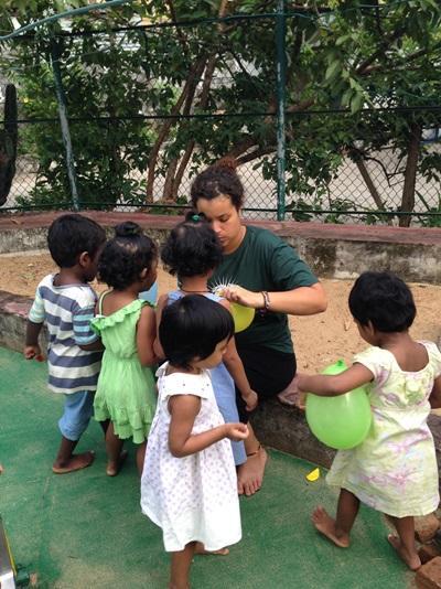 Animation auprès d'enfants au Sri Lanka