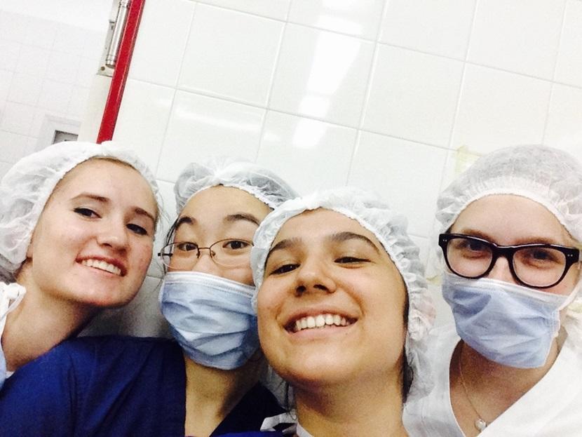Volontarie in Argentina durante l'esperienza in ospedale