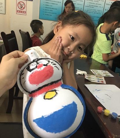 現地の子供たちと仲良くなった中国でのケア活動
